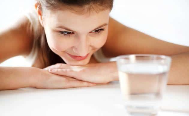 Beneficios-de-beber-agua-en-ayunas-2